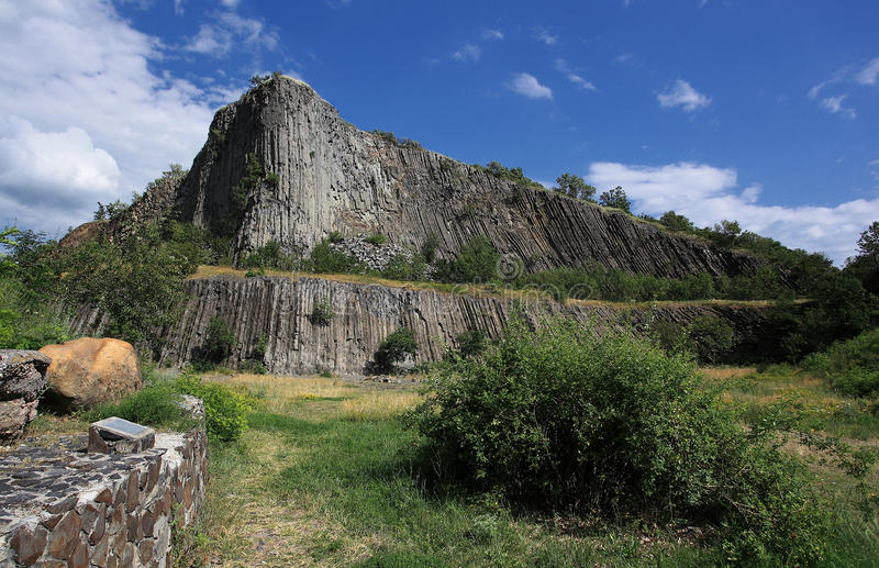 火山形成自然的岩石 图库摄影