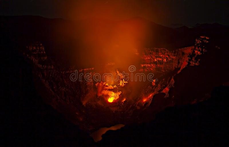 火山爆发在堪察加,火山碎屑岩的流 图库摄影