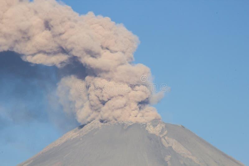 火山爆发popocatepetl 库存图片