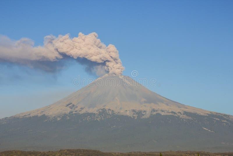 火山爆发popocatepetl 库存照片