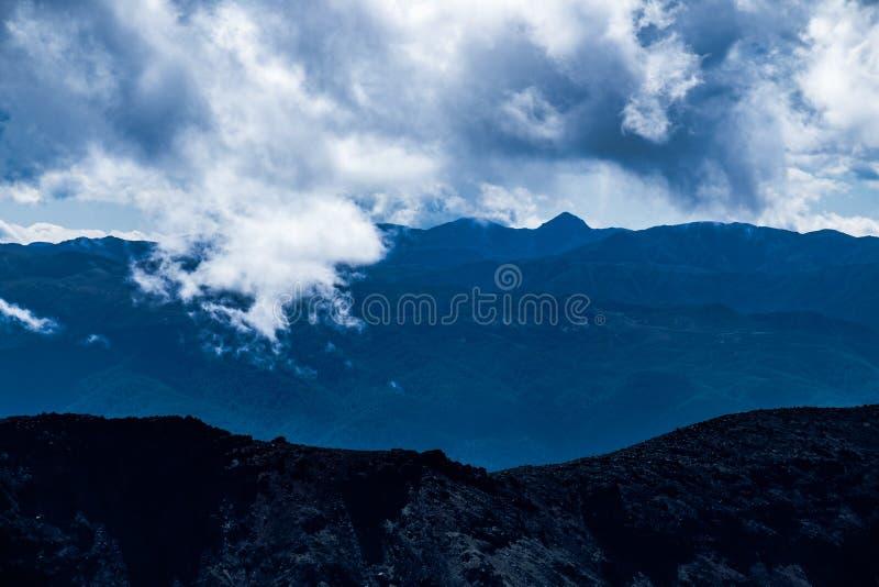 火山的概略的风景在东格里罗国家公园,新西兰 免版税库存图片