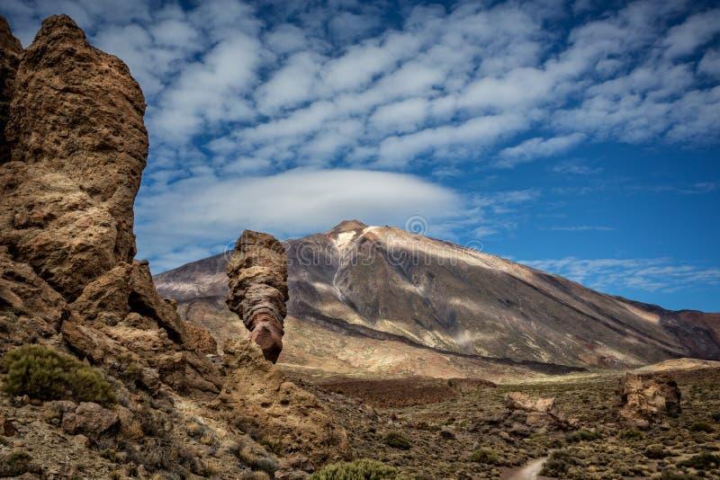 火山的登上泰德峰剧烈的射击有美丽的天空的 库存图片