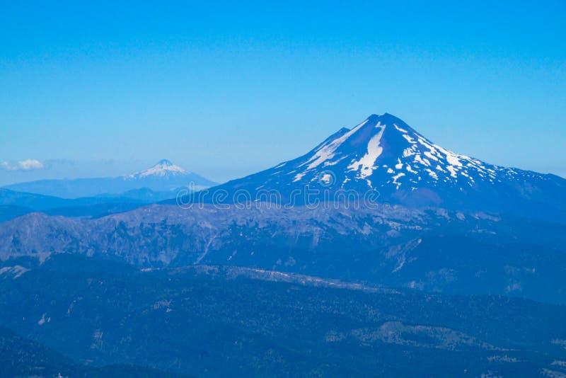 火山的风景在智利 免版税库存图片