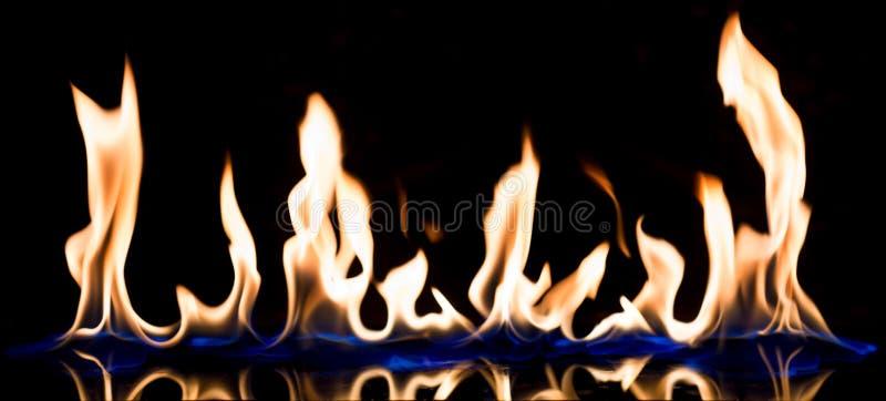火火焰与反射 库存图片