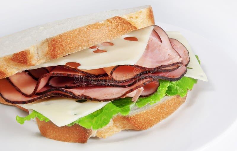 火腿瑞士乳酪三明治 库存图片