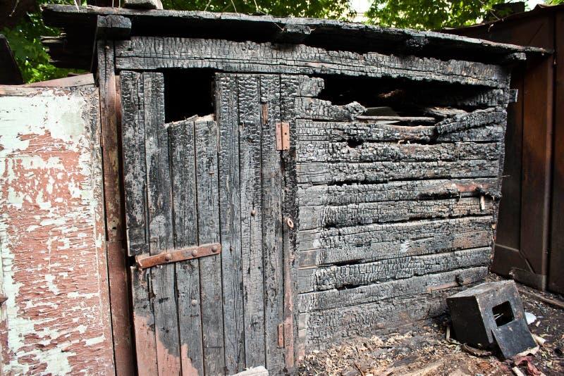 火被烧的谷仓 库存照片