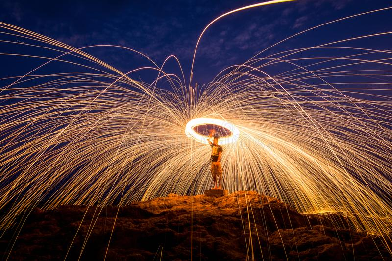 火跳舞人 库存图片