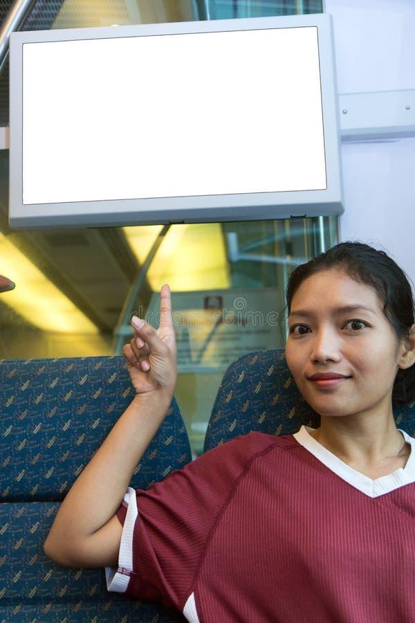 火车的妇女在显示出现  免版税库存照片