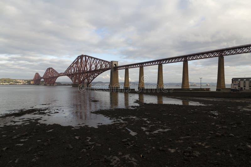 火车的桥梁 免版税库存图片