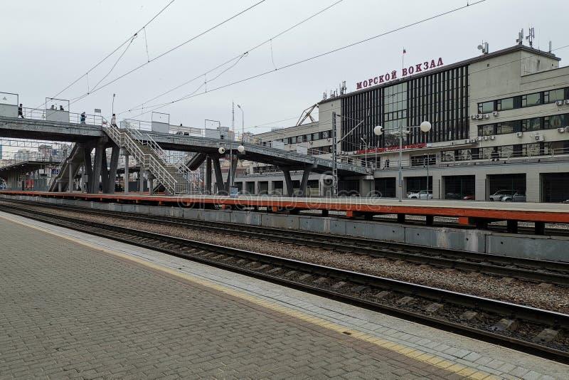 火车站的平台 免版税库存图片