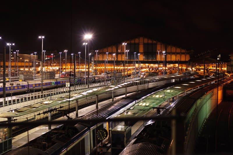 火车站Gare du Nord在晚上,巴黎 免版税库存照片