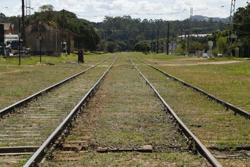 火车线平行对无限 免版税库存图片