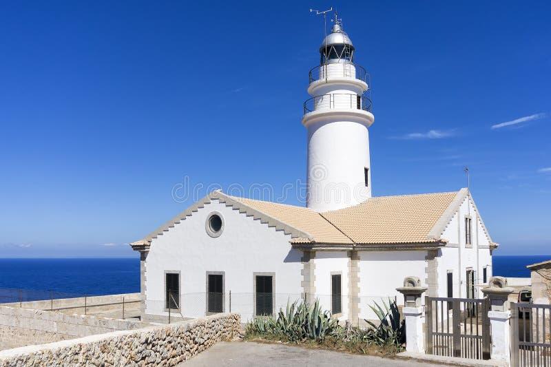 灯塔在卡普德佩拉,马略卡 免版税库存照片
