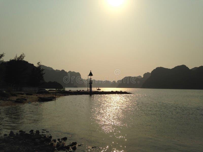 灯塔在哈隆海湾,越南 免版税图库摄影