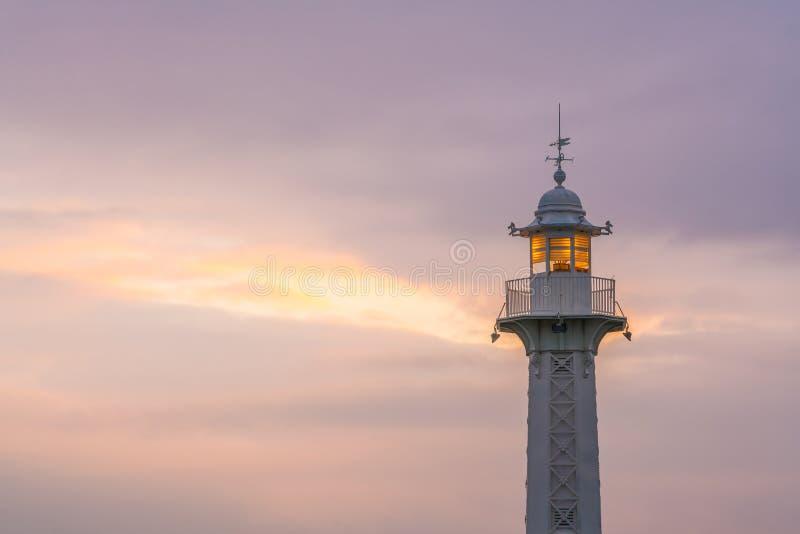 灯塔在日出的日内瓦湖在瑞士 库存图片