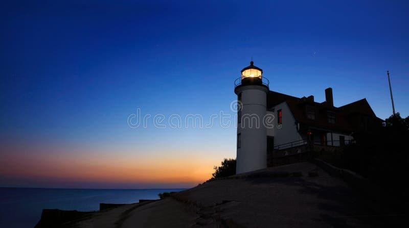 灯塔在黎明… 免版税图库摄影