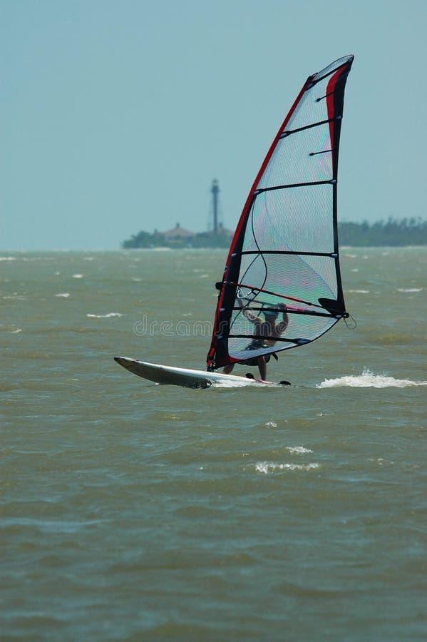 Download 灯塔风帆冲浪者 库存照片. 图片 包括有 风船, 灯塔, 蓝色, 冲浪, 海洋, 天空, 海浪, 体育运动, 海运 - 189586