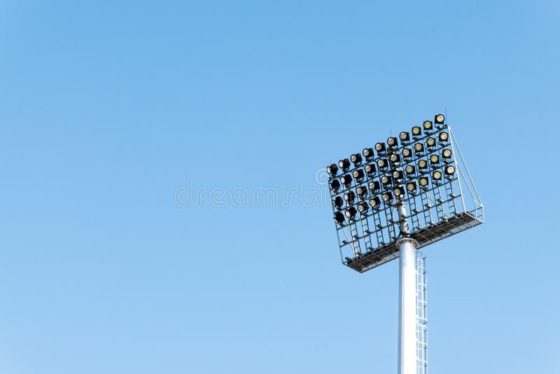 灯岗位电产业光体育场体育照明设备 免版税库存照片
