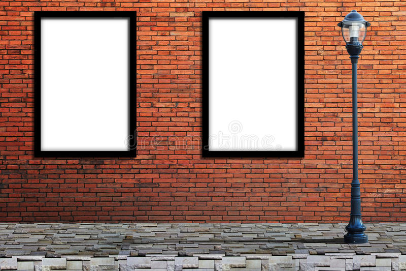 灯岗位街道和空白的广告牌在墙壁上 库存图片