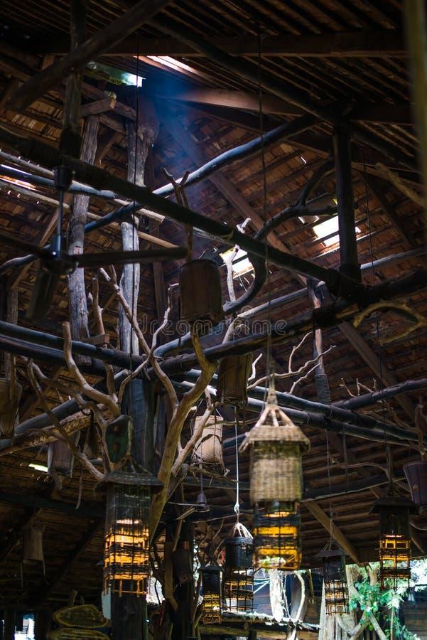 灯由木头制成装饰 免版税图库摄影