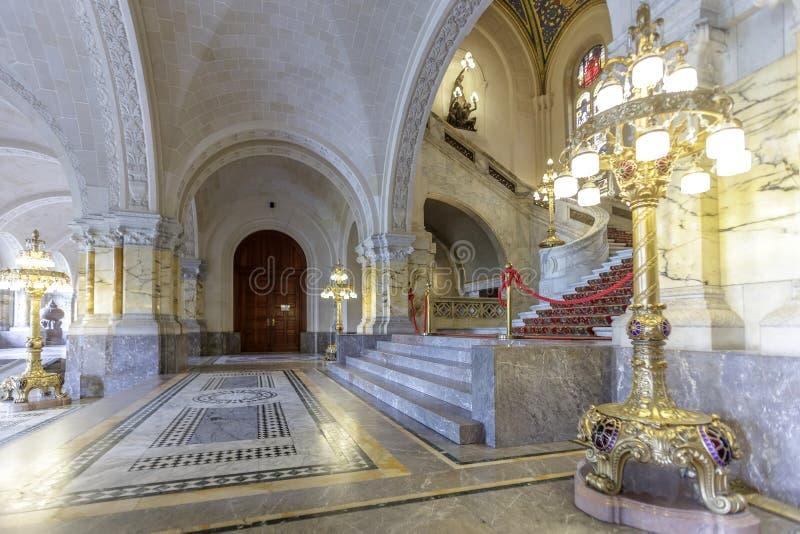 灯笼和和平宫殿 免版税图库摄影