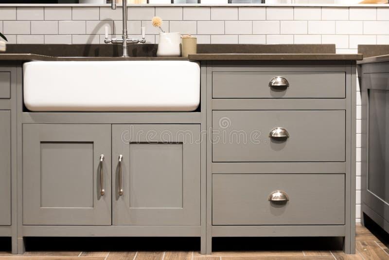 灰色厨房水槽 库存照片