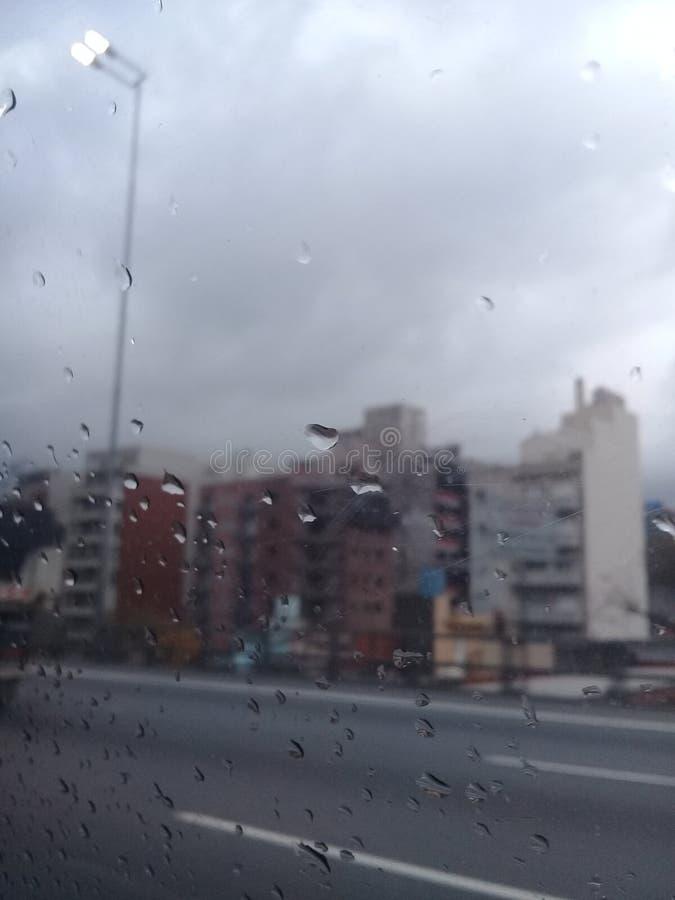 灰色天,布宜诺斯艾利斯,雨 绿色加尔德角 图库摄影