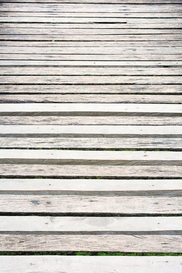 灰色木木板走道风化与质感粗糙 图库摄影