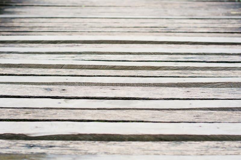 灰色木木板走道风化与质感粗糙 库存图片