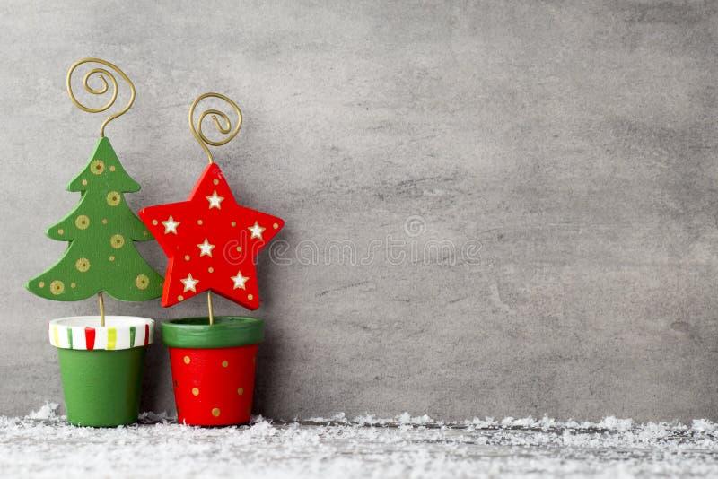 灰色金属背景,圣诞节装饰 图库摄影