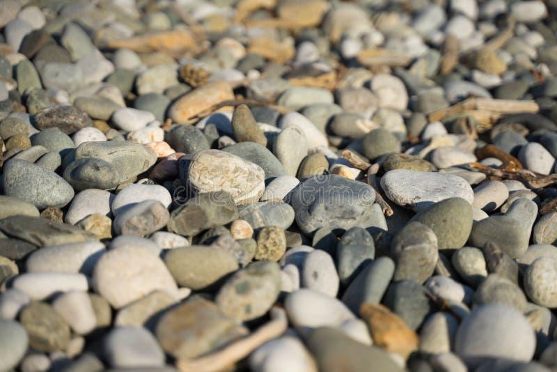 灰色,深色大海石头  免版税库存照片