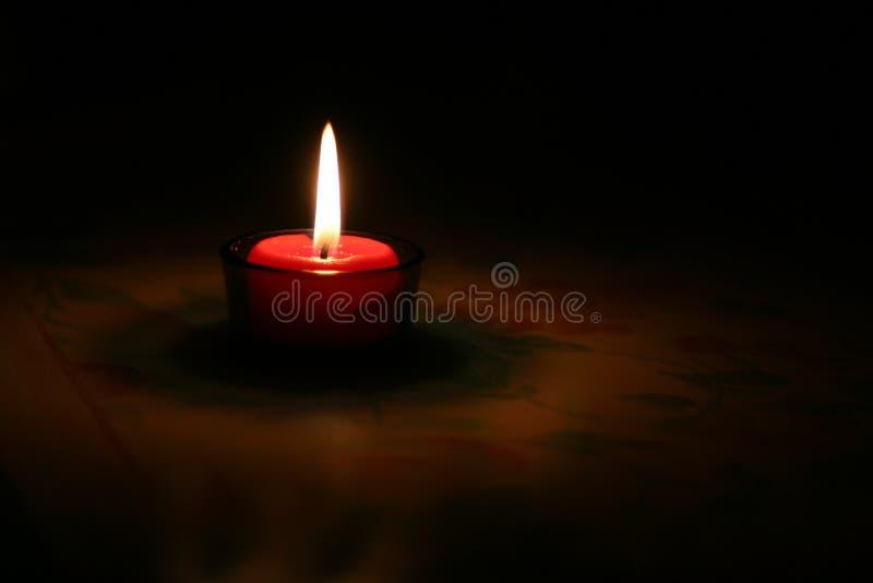 灼烧的蜡烛红色 免版税库存照片