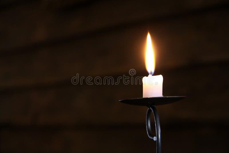 灼烧的蜡烛黑暗 库存照片
