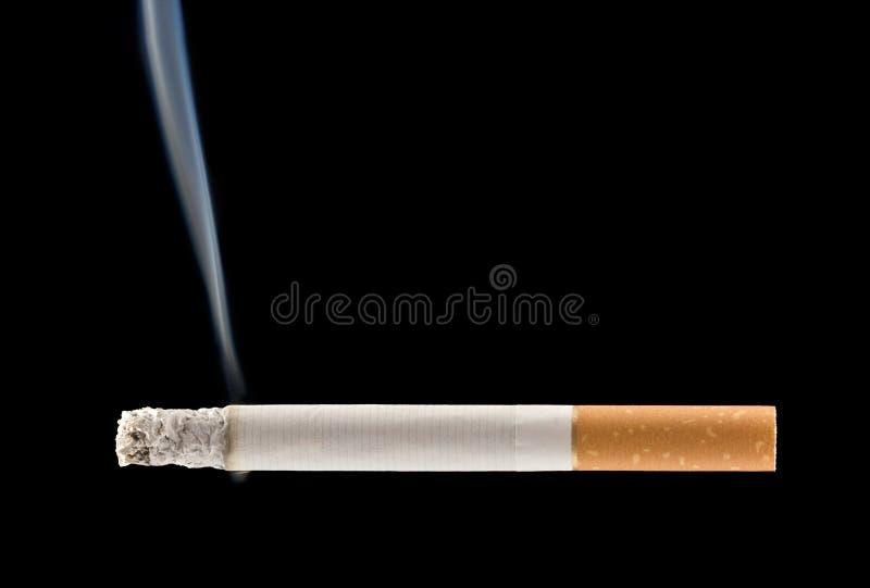 灼烧的香烟 图库摄影