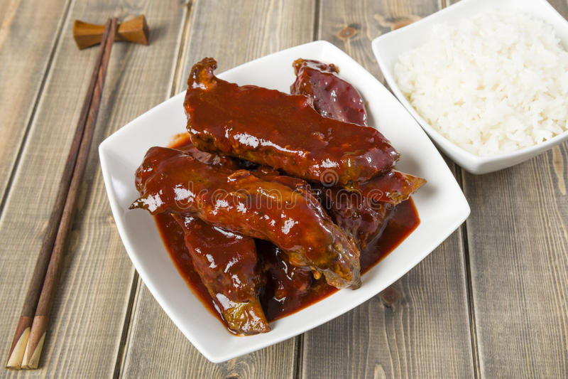 中国稠粘的猪肉排骨 免版税库存照片