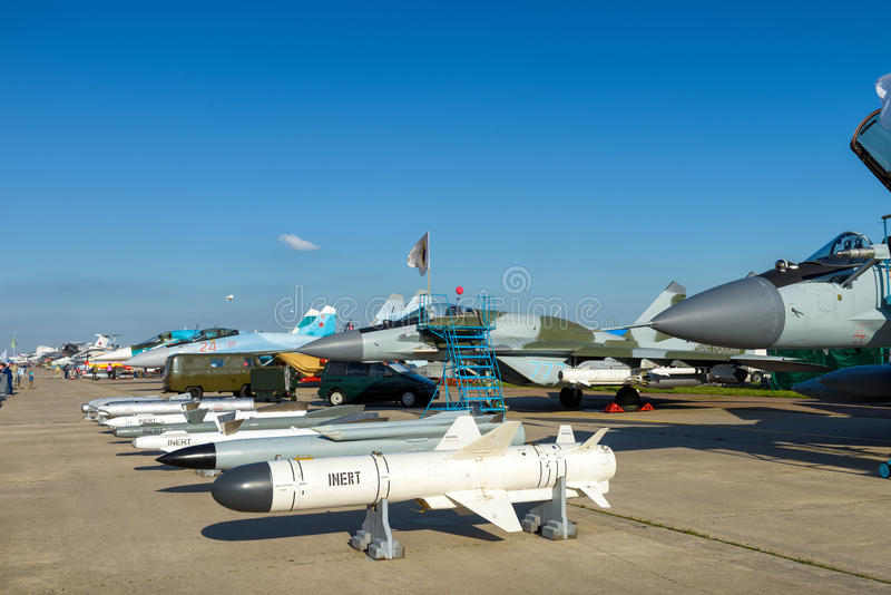 炸弹和导弹俄国空气战斗机的 免版税库存图片