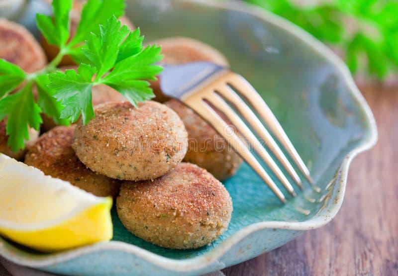 Download 炸肉排鱼 库存照片. 图片 包括有 香料, 海鲜, 水平, 油煎, 准备, 食物, 炸肉排, 烹调, 叉子 - 25498902