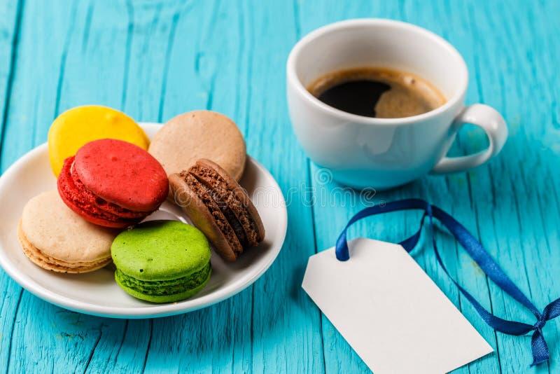 点心蛋白杏仁饼干,咖啡 库存图片
