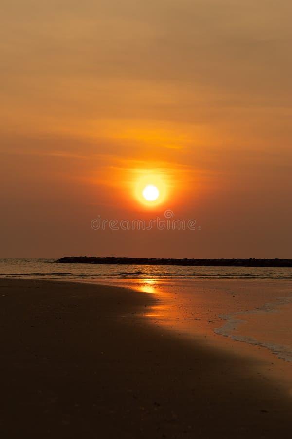 点燃早晨太阳在越共陈海滩,查家是 图库摄影
