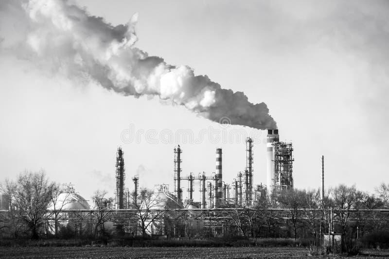 炼油厂, bw 免版税图库摄影