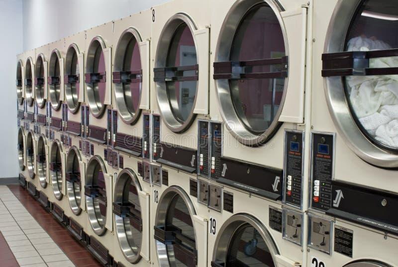 烘干机洗衣店 免版税库存图片