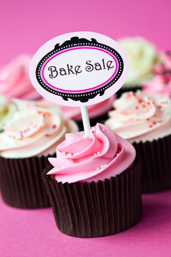 烘烤杯形蛋糕销售额 免版税库存图片
