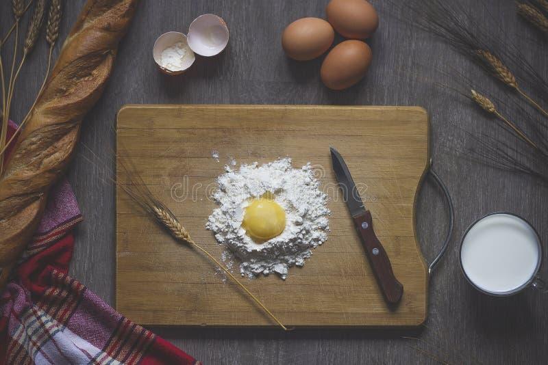 烘烤的面包,烹调 库存照片