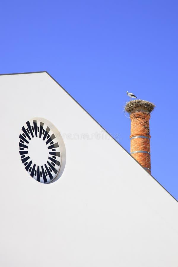 烟囱鹳嵌套在Algarve。 葡萄牙。 库存照片
