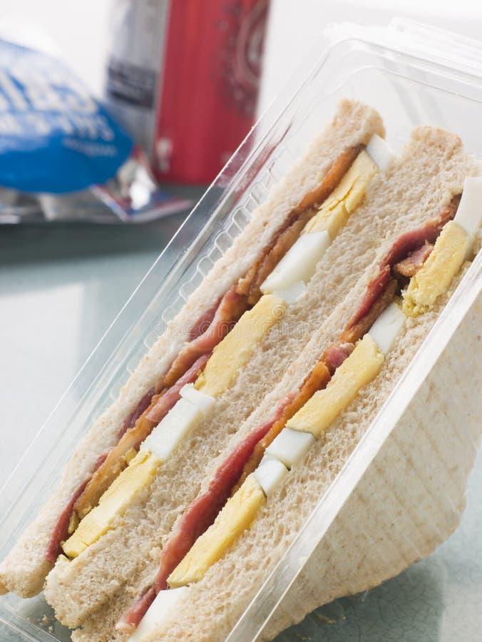 烟肉面包蛋三明治白色 库存图片