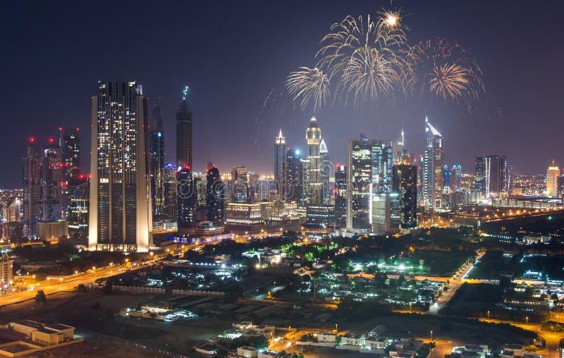 烟花在迪拜街市镇中心显示 免版税图库摄影