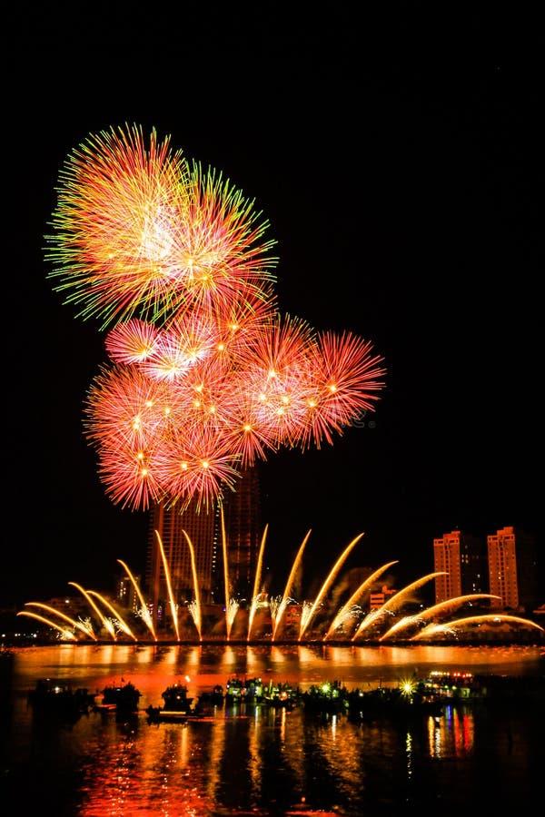 烟花岘港越南2013年 免版税库存照片