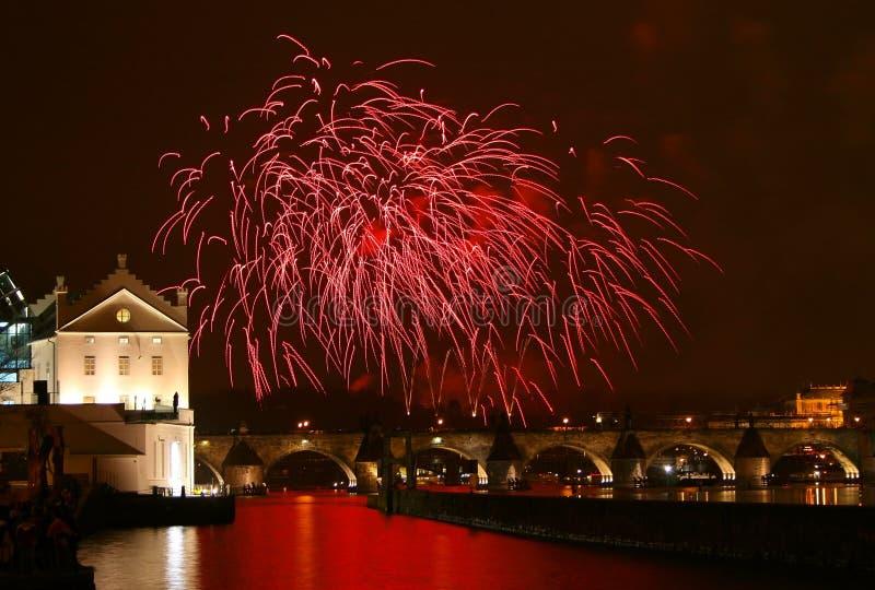 烟花新的布拉格年 免版税库存照片