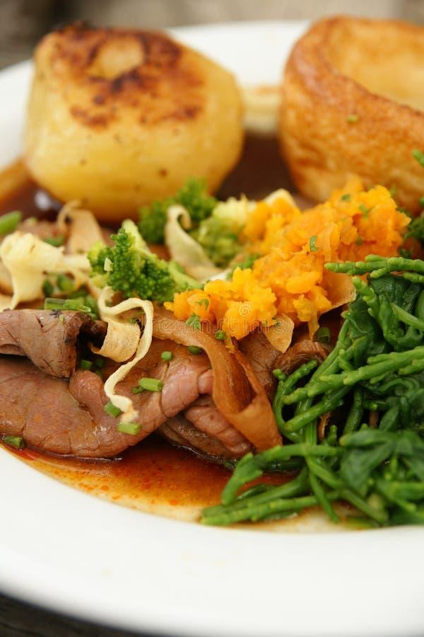 烤牛肉晚餐 库存图片
