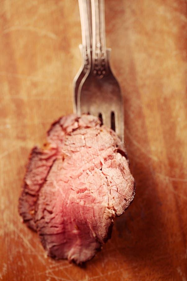 烤牛肉牛排,完全煮熟和烤的sous vide 库存照片